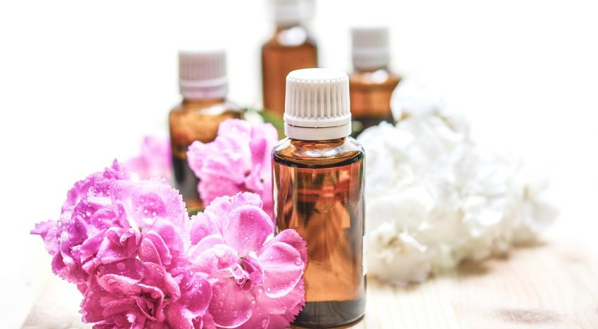 What Are Essential Oils? What Are The Different Types Of Them?